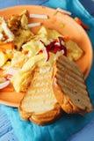 Провозглашанный тост хлеб с крупным планом омлета Стоковые Фотографии RF