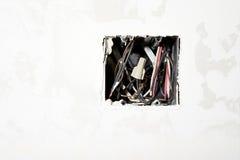 Провода в отверстии стоковая фотография