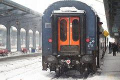 Проводник поезда давая сигнал отклонения Стоковая Фотография RF