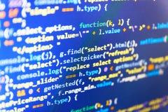 Программируя HTML исходного кода для развития вебсайта Дело ИТ Код программы с дисплеем Предпосылка хакера программник стоковая фотография