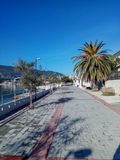 Прогулка вдоль набережной, каникулы морем стоковое изображение