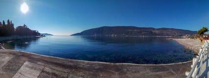 Прогулка вдоль набережной, каникулы морем, панорама стоковые фотографии rf