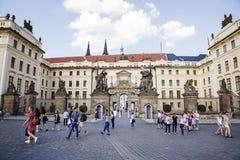 Прогулка весны на замке Праги Стоковое фото RF