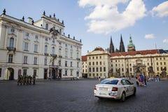 Прогулка весны на замке Праги Стоковое Фото