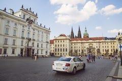 Прогулка весны на замке Праги Стоковая Фотография RF