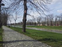 Прогулка на набережной Nisava, Pirot Сербии Стоковое Фото