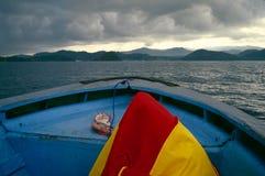 Прогулка на яхте на Индийском океане, Индонезии стоковые изображения rf