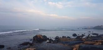 Прогулка утра пляжем стоковое фото rf