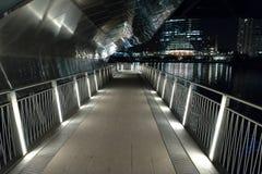 Прогулка riverwalk города Чикаго на ноче Стоковое фото RF
