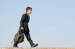 прогулки домашнего студента школы успешные стоковое изображение rf