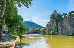 Прогулка вдоль банка Kura в Тбилиси Стоковое Изображение