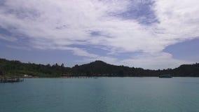 Прогулка на яхте к тропическим островам, Таиланду сток-видео