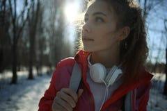 прогулка парка девушки Стоковое Изображение