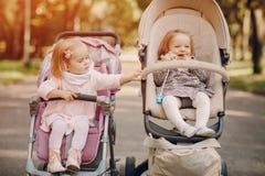 прогулка парка семьи Стоковые Изображения RF