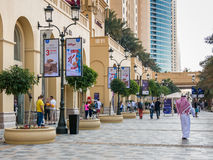 Прогулка прогулки в Марине Дубай Стоковое фото RF