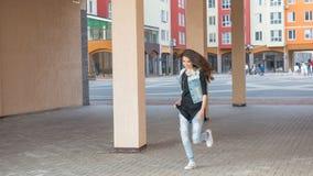 Прогулка с девушкой Стоковые Фото