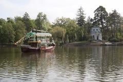 Прогулочное судно Стоковые Изображения