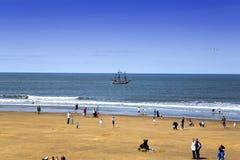 Прогулочный катер Galleon на Whitby стоковые изображения rf