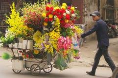 продавец искусственних цветков Стоковое Изображение