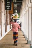 Продавец улицы продавая плод, Галле, Шри-Ланка стоковое фото