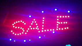 Продажа освещения Знак улицы с малыми светами, гирляндами Пейзаж с накалять, мигающие огни Динамический, отснятый видеоматериал д акции видеоматериалы