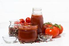 Продукты сделанные с свежим томатом - соусом, соком и приправами Стоковое Изображение