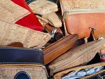 Продукты, сумки и портмона пробочки от Португалии стоковые фотографии rf