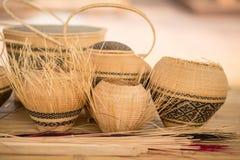 Продукт Basketry тайский OTOP от сухого weave травы Hygaliepa стоковое фото