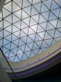 Прозрачная крыша архитектурноакустическо по мере того как предпосылка используемая тростильная машина Стоковые Фото
