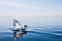 прозрачная часть льда Lake Baikal голубой льдед Стоковая Фотография
