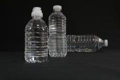 Прозрачные бутылки питьевой воды Стоковые Изображения RF