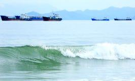 Прозрачные волны Стоковая Фотография