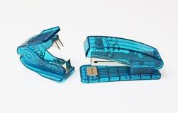 Прозрачные сшиватель и штапель Стоковые Фотографии RF