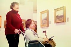 2 произведения искусства женщины whatching Стоковая Фотография