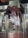 Производство дуновения пластичной бутылки горячее Стоковое Изображение
