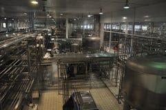 Производственная линия молокозавода Китая Mengniu Стоковые Изображения RF