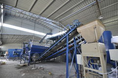 Производственная линия органического удобрения стоковое фото rf