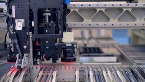 Производственный процесс монтажной платы 4K сток-видео