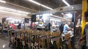 Производство гитары Стоковые Изображения RF