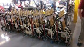Производство гитары Стоковое фото RF