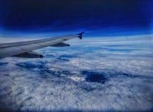 Пройдите параллельно с облаками стоковые фотографии rf