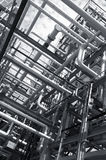 прокладывает трубопровод рафинадный завод Стоковая Фотография