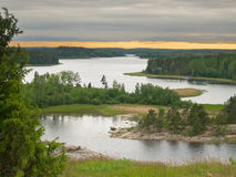 Прокладка света над озером Ladoga Стоковые Изображения