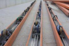Прокладка силы на линии собрании транспортера Стоковые Фотографии RF