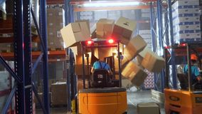 Пролом безопасности на складе затяжелителем