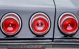 Пролом Chevrolet Impala SS освещает - выставка автомобиля - St Charles, IL стоковая фотография rf