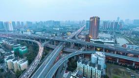 Промежуток времени взаимообмена города и городской скоростной дороги, сток-видео