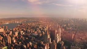 Промежуток времени восхода солнца вида с воздуха горизонта городского пейзажа сток-видео