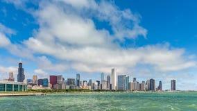 Промежуток времени города Чикаго городской с облаками динамическими акции видеоматериалы