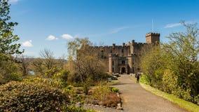 Промежуток времени замка Dunvegan, Шотландии акции видеоматериалы